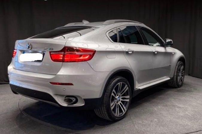 Billig biluthyrning av BMW X6 med GPS i närheten av  Sannegården.