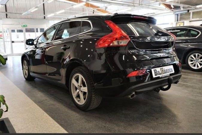 Billig biluthyrning av Volvo V40 med GPS i närheten av 433 43 Partille.