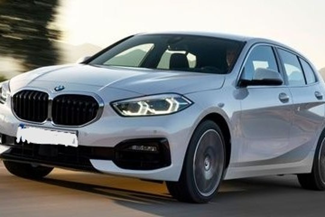 Alquiler barato de BMW 1 Series con equipamiento GPS cerca de 28300 Aranjuez.