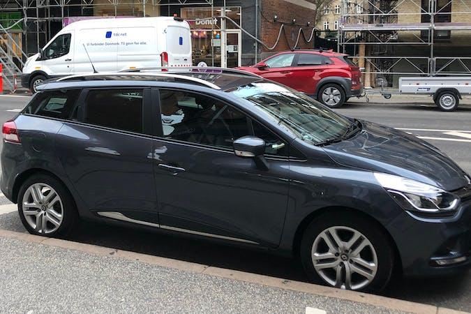 Billig billeje af Renault Clio SW nær  Frederiksberg.