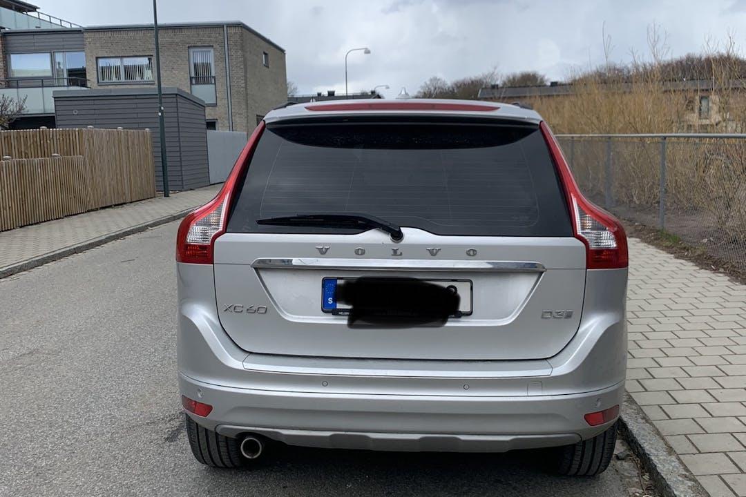 Billig biluthyrning av Volvo XC60 med GPS i närheten av 211 33 .