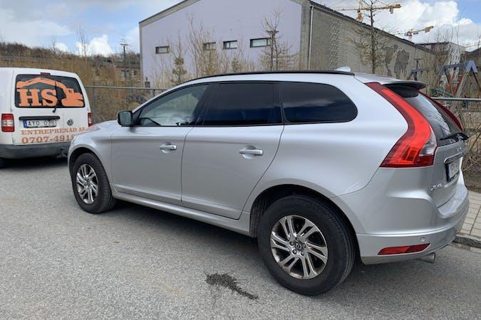 Billig biluthyrning av Volvo XC60 med Bluetooth i närheten av 211 33 .
