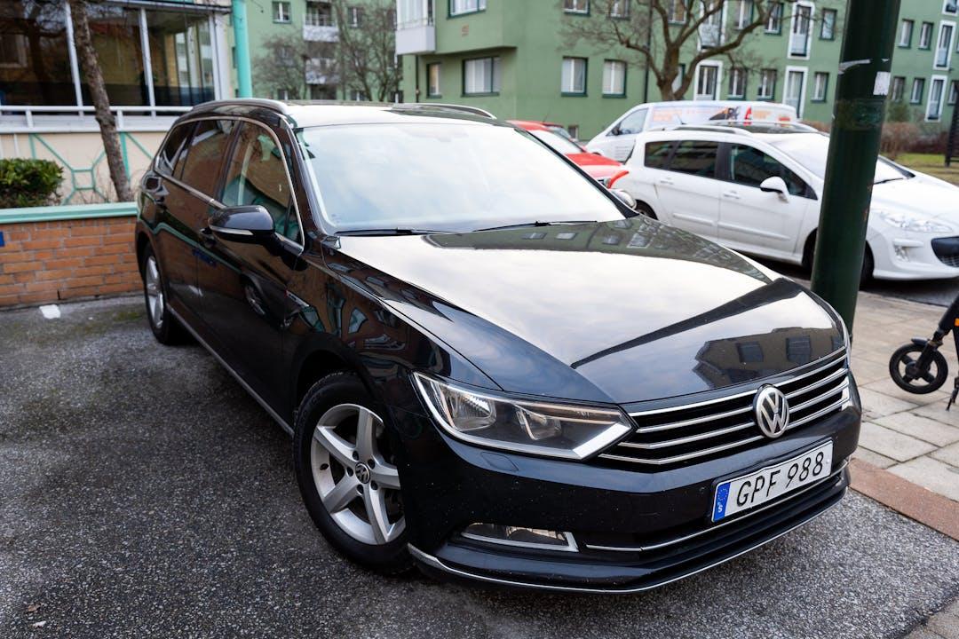 Billig biluthyrning av Volkswagen Passat med Isofix i närheten av 217 41 .