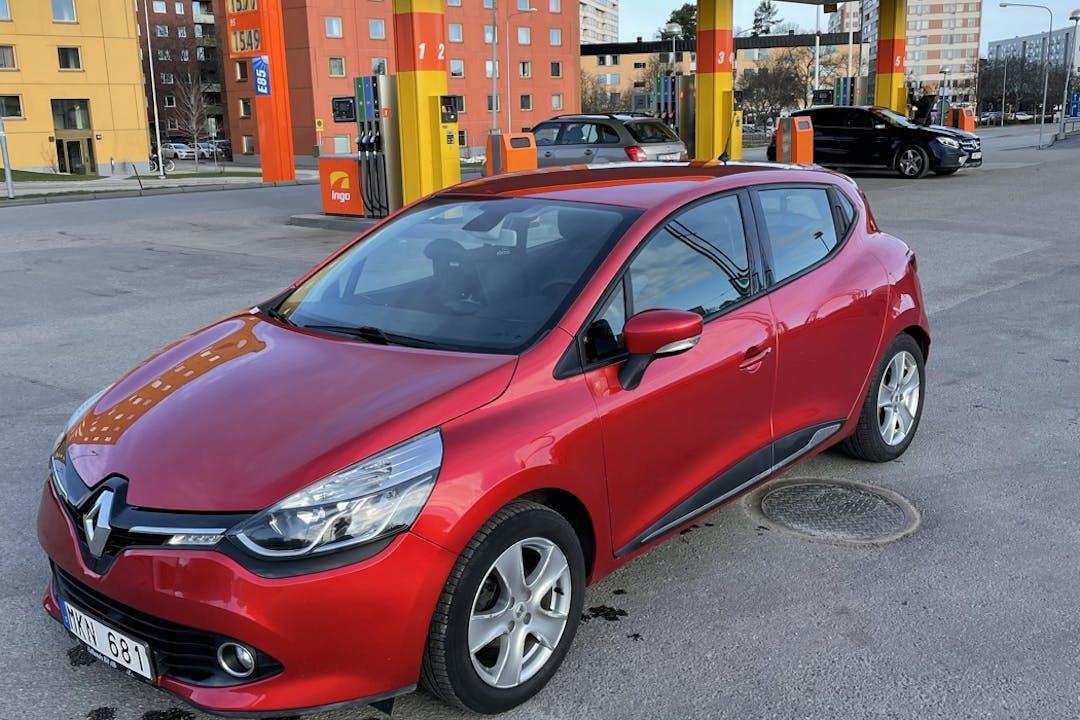 Billig biluthyrning av Renault Clio i närheten av 112 38 Kungsholmen.
