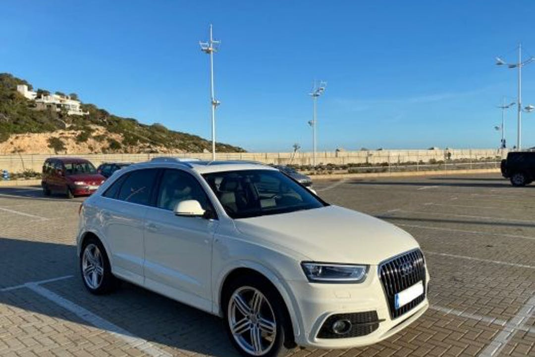 Alquiler barato de Audi Q3 con equipamiento GPS cerca de 07800 Eivissa.