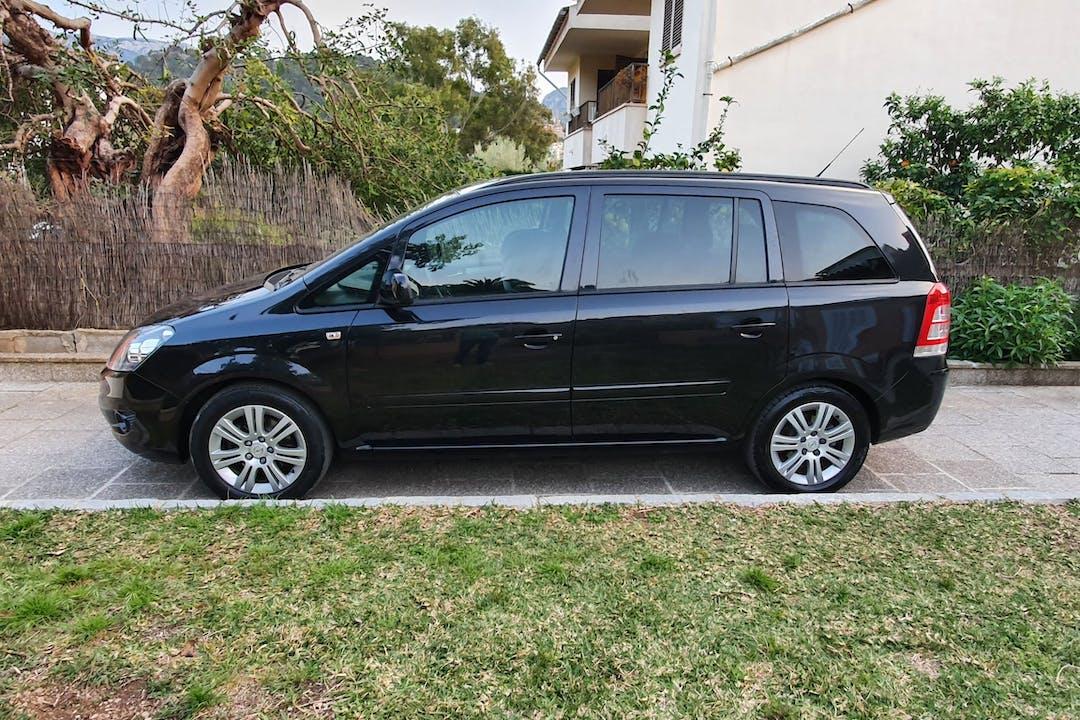 Alquiler barato de Opel Zafira cerca de 07611 Palma.