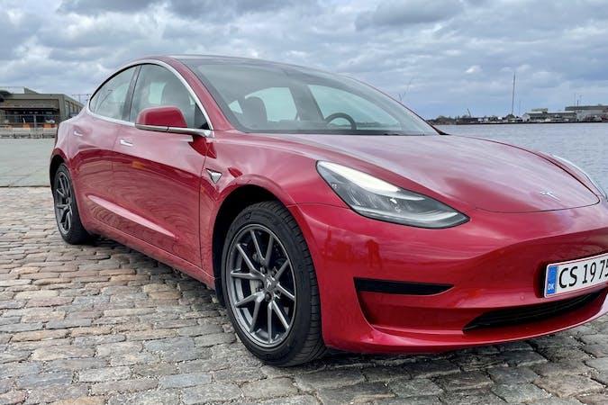 Billig billeje af Tesla Model 3 nær 1058 København.