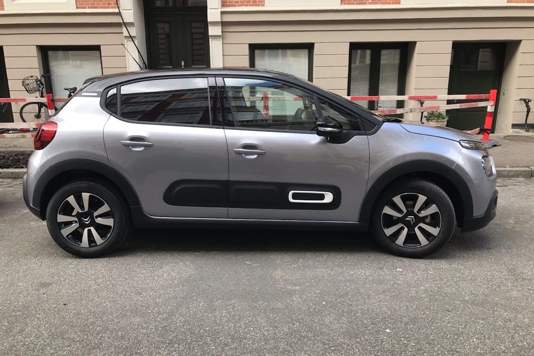 Billig billeje af Citroën C3 med GPS nær 2100 København.