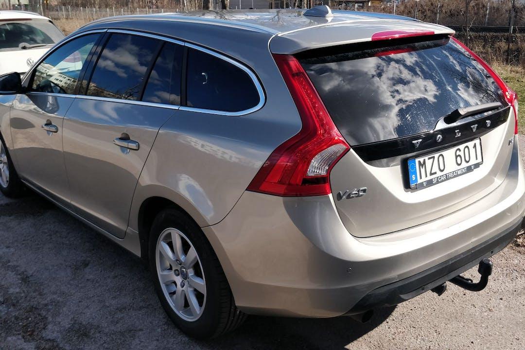 Billig biluthyrning av Volvo V60 med GPS i närheten av 752 27 Luthagen.
