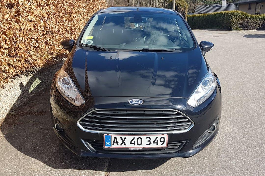 Billig billeje af Ford Fiesta nær 3200 Helsinge.