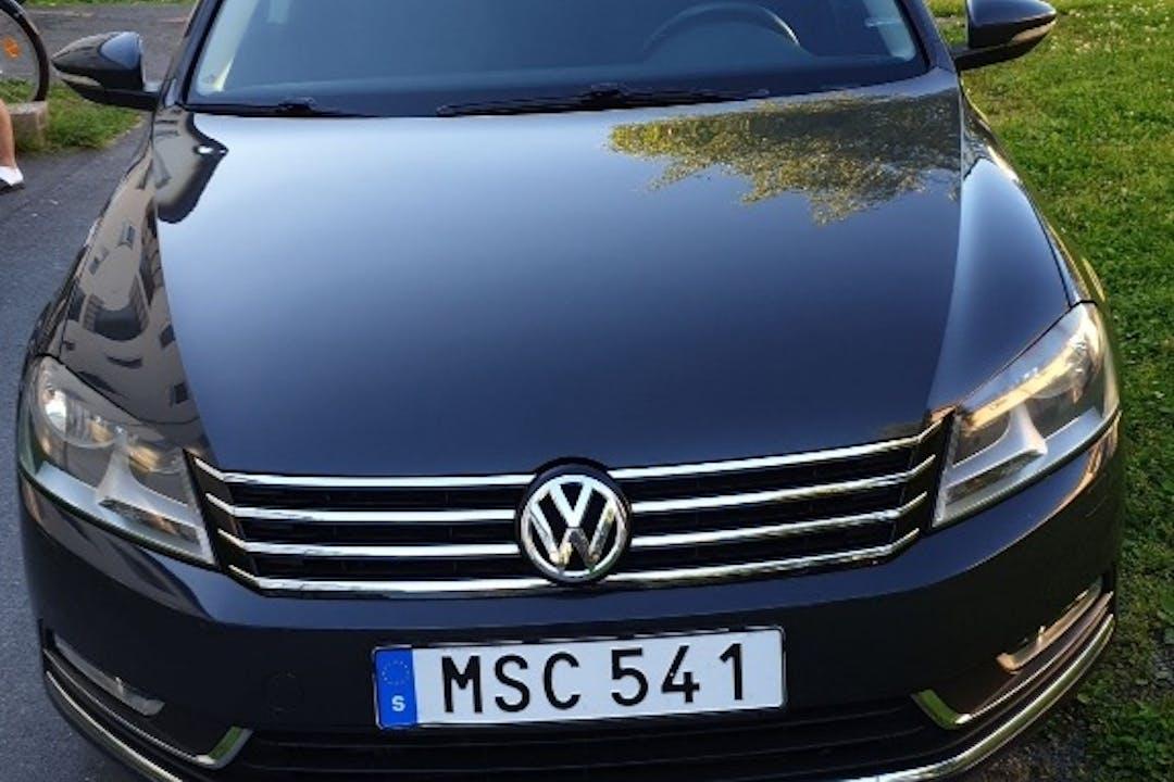 Billig biluthyrning av Volkswagen Passat i närheten av 133 41 .