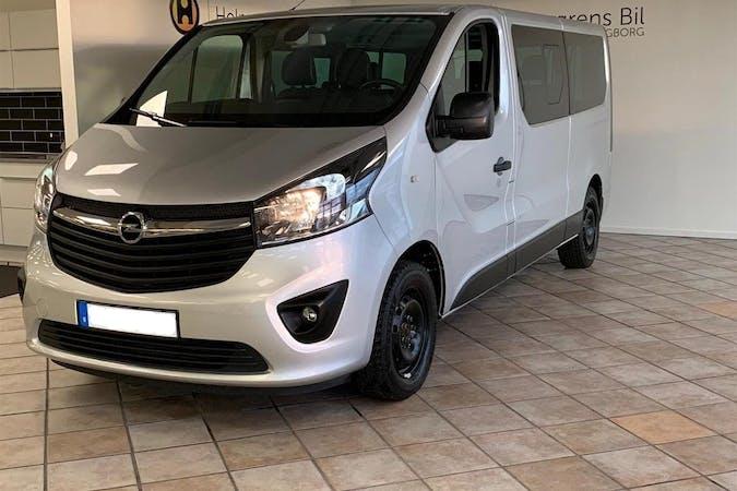 Billig biluthyrning av Opel VIVARO med Bluetooth i närheten av 195 51 Märsta Södra.