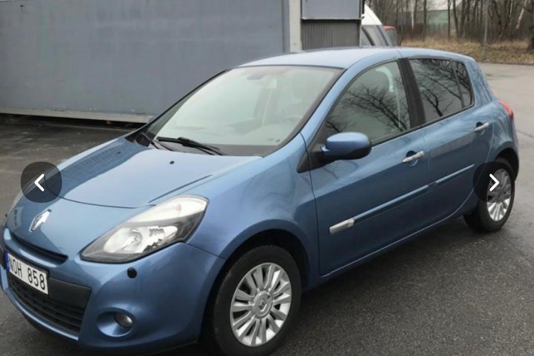 Billig biluthyrning av Renault Clio i närheten av  Bromma.