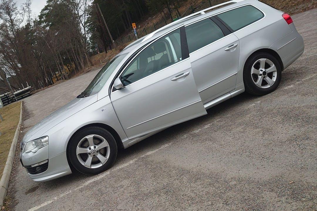 Billig biluthyrning av Volkswagen Passat med Isofix i närheten av 194 72 Upplands Väsby Västra.