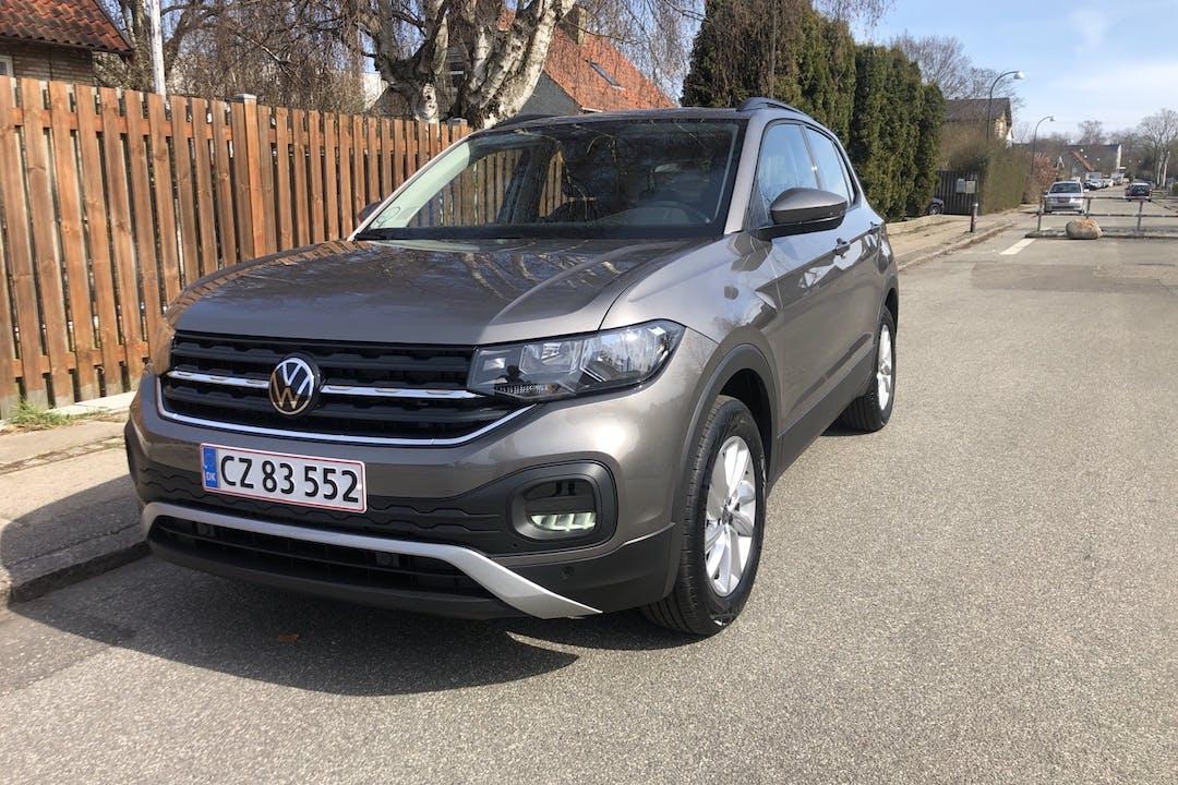 Billig billeje af Volkswagen T-Cross med GPS nær 2500 København.