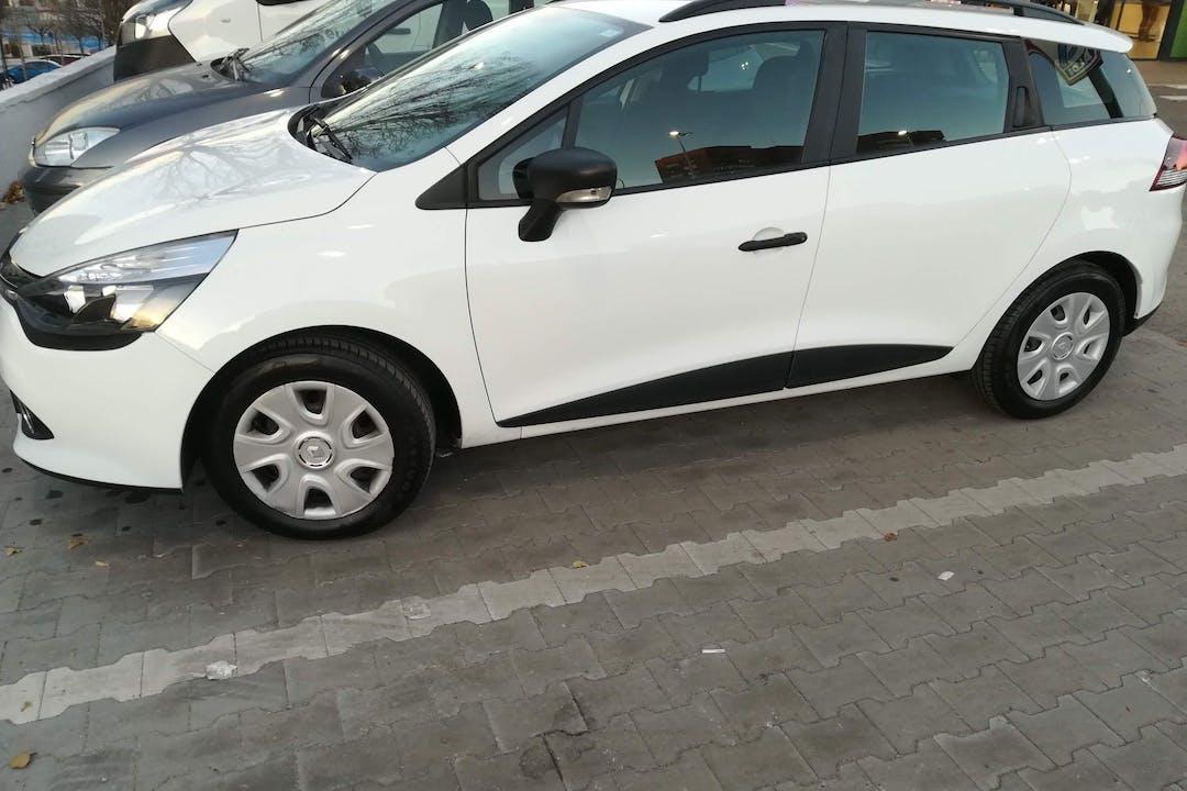 Alquiler barato de Renault Clio HB con equipamiento Bluetooth cerca de 28038 Madrid.