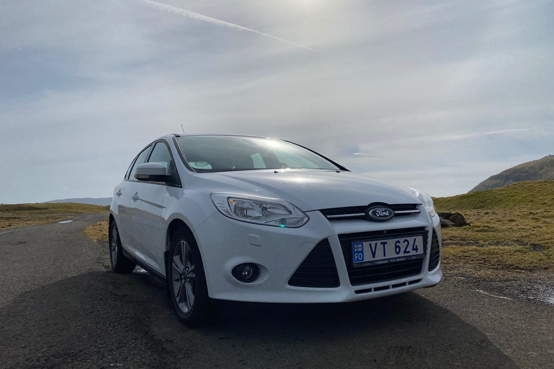 Billig billeje af Ford Focus nær 100 Tórshavn.