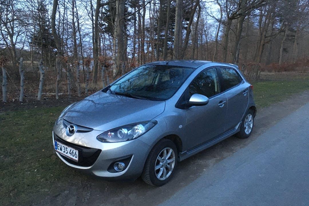 Billig billeje af Mazda 2 med Isofix beslag nær 4700 Næstved.
