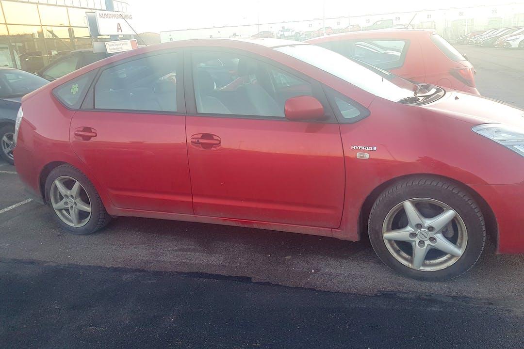 Billig biluthyrning av Toyota Prius i närheten av 424 37 Hammarkullen.