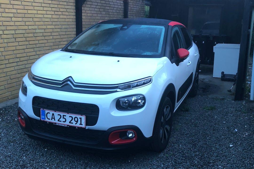Billig billeje af Citroën C3 med GPS nær 8800 Viborg.