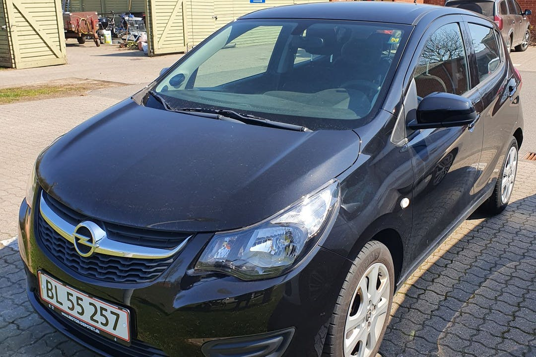 Billig billeje af Opel Karl med Isofix beslag nær 8310 Tranbjerg.