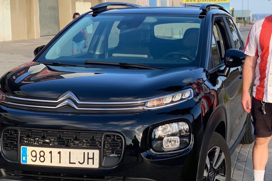 Alquiler barato de Citroën C3 Aircross cerca de  Badalona.