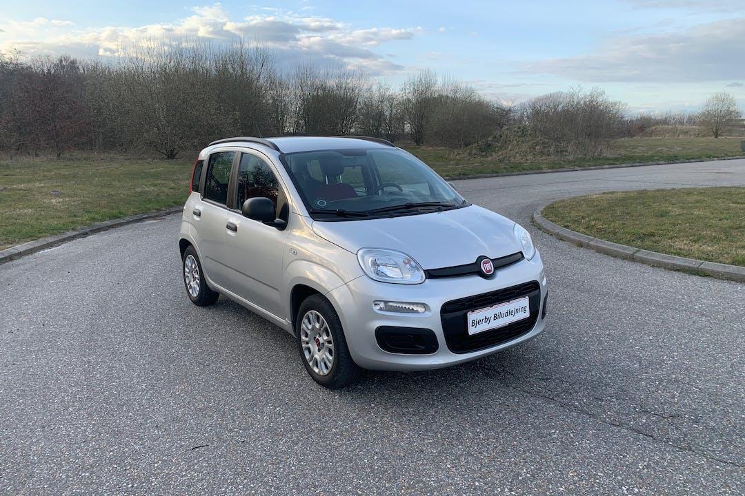 Billig billeje af Fiat Panda nær 6800 Varde.
