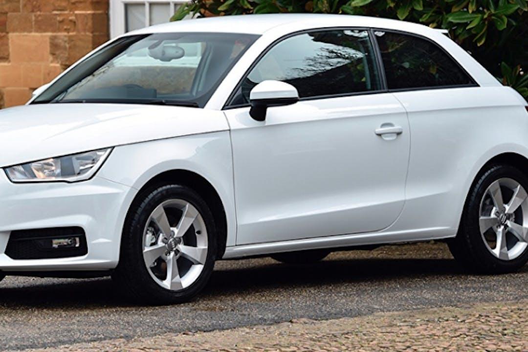 Billig biluthyrning av Audi A1 i närheten av 252 22 .