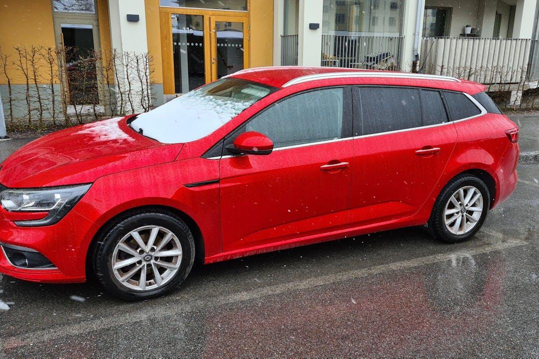 Billig biluthyrning av Renault Megane i närheten av 752 20 Berthåga-Stenhagen-Husbyborg-Librobäck.