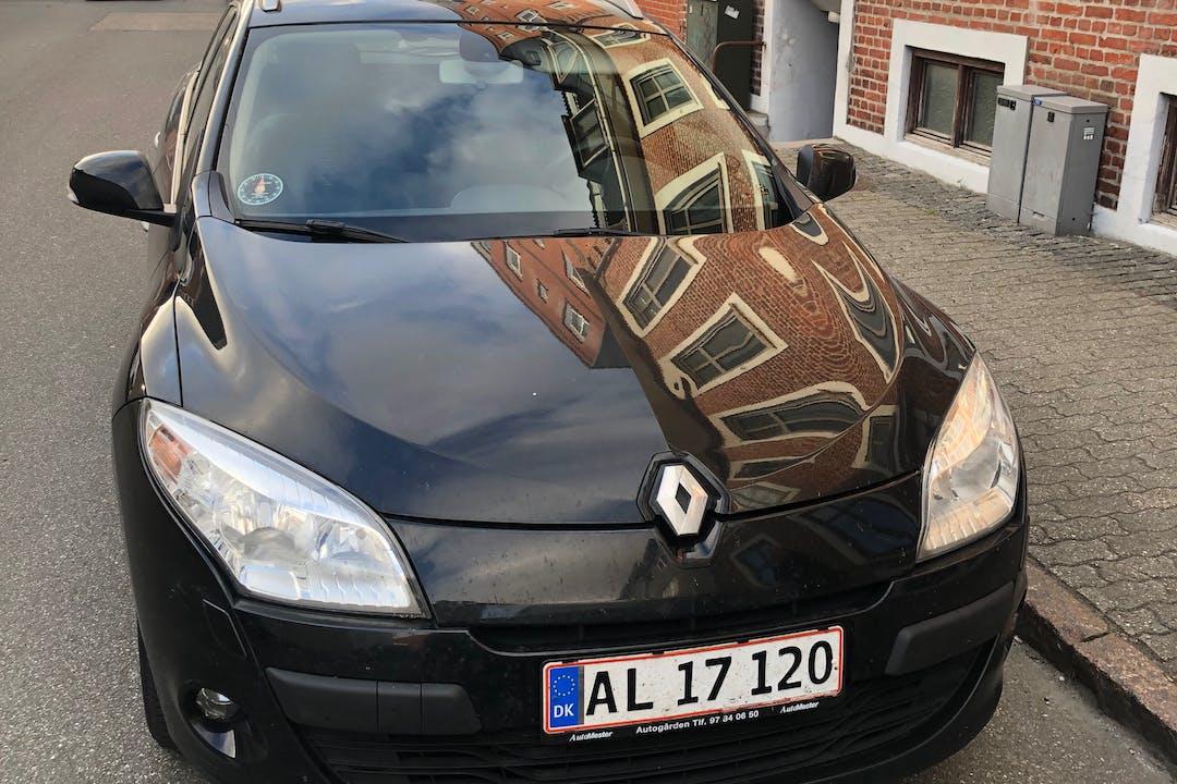 Billig billeje af Renault Megane med GPS nær 6700 Esbjerg.