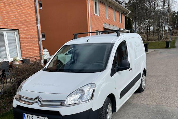 Billig biluthyrning av Citroën Berlingo i närheten av  Kronogården-Lextorp.