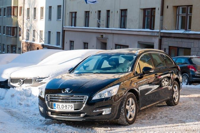 Peugeot 508n halpa vuokraus Isofix-kiinnikkeetn kanssa lähellä 00100 Helsinki.