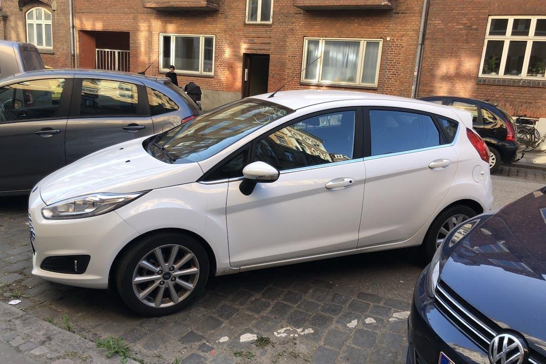 Billig billeje af Ford Fiesta med Isofix beslag nær 8000 Aarhus.