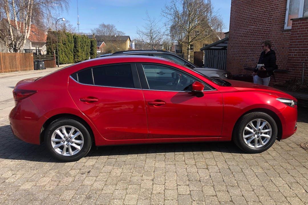 Billig billeje af Mazda 3 med GPS nær 2500 København.
