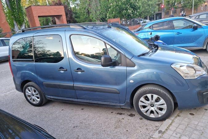 Alquiler barato de Citroën Berlingo con equipamiento GPS cerca de 28300 .