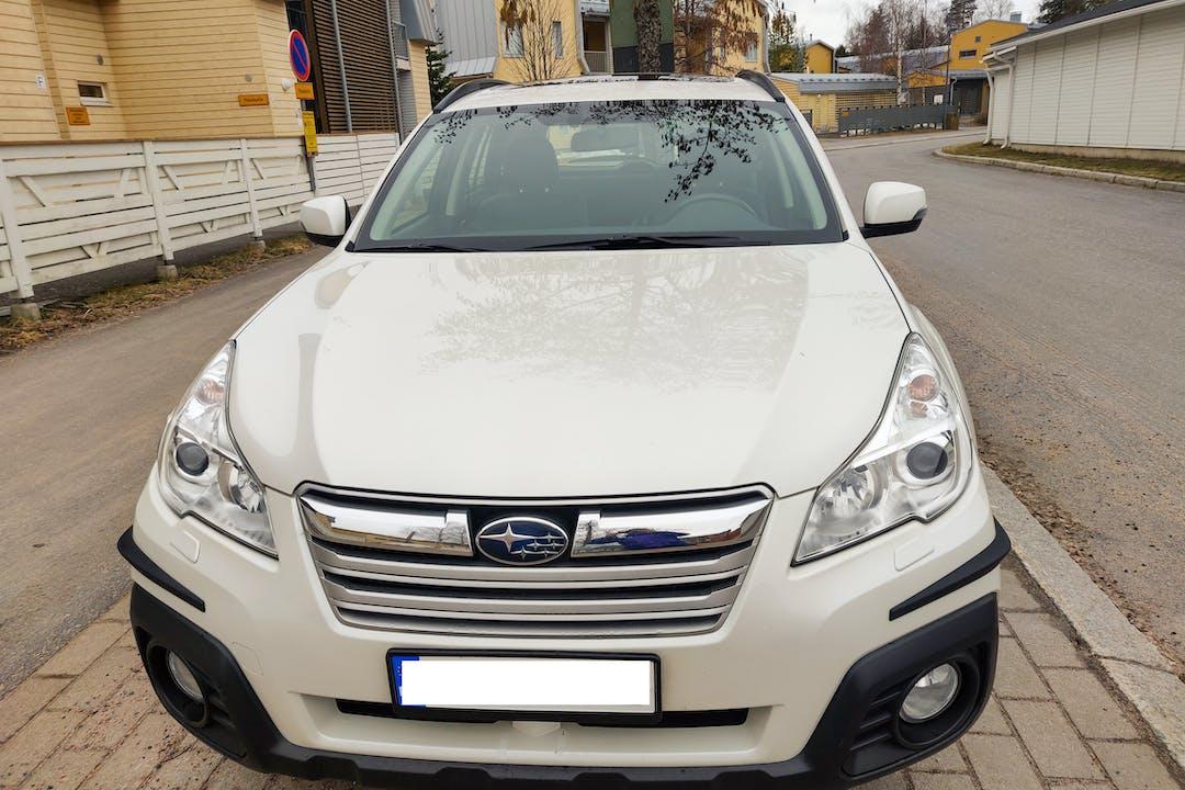 Subaru Outbackn halpa vuokraus GPSn kanssa lähellä 90500 Oulu.