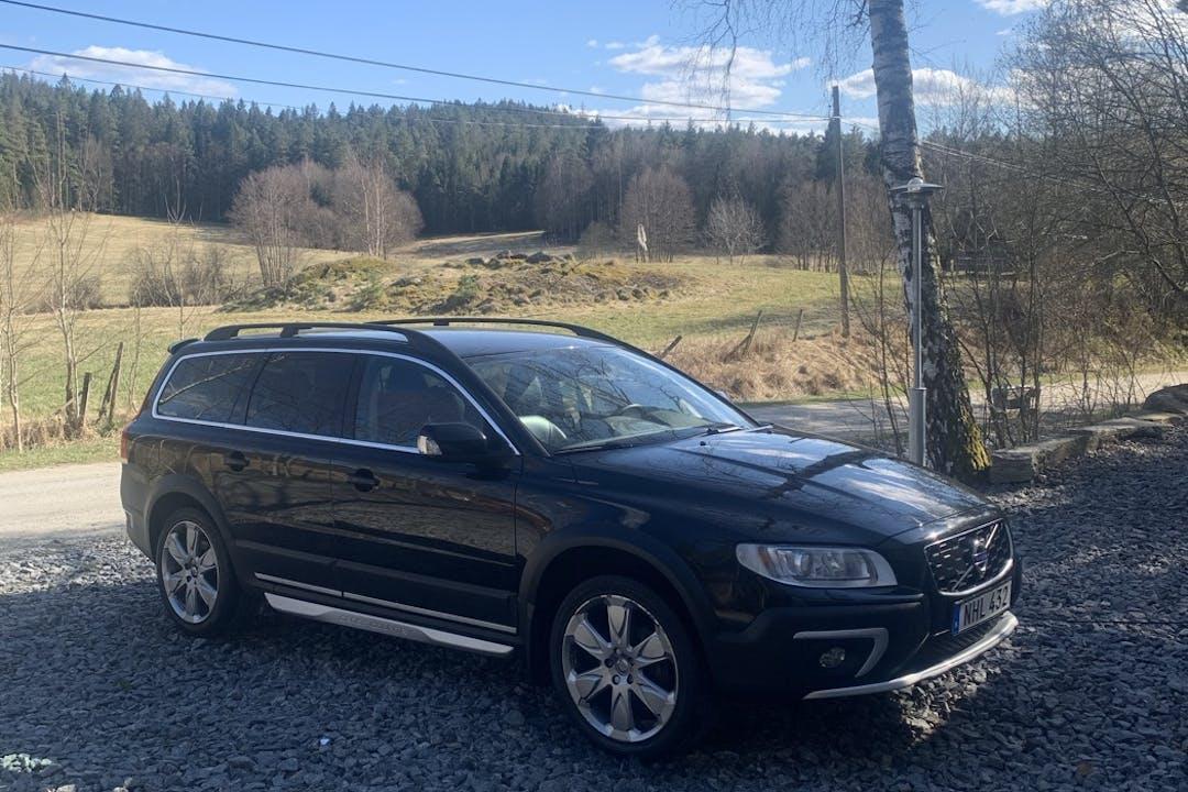 Billig biluthyrning av Volvo V70 XC Cross Country med GPS i närheten av 412 63 Krokslätt.