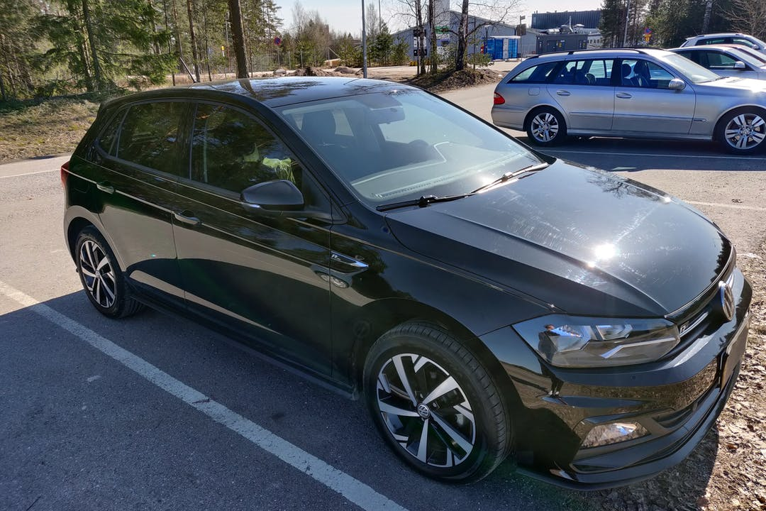 Volkswagen Polon halpa vuokraus Bluetoothn kanssa lähellä 00970 Helsinki.