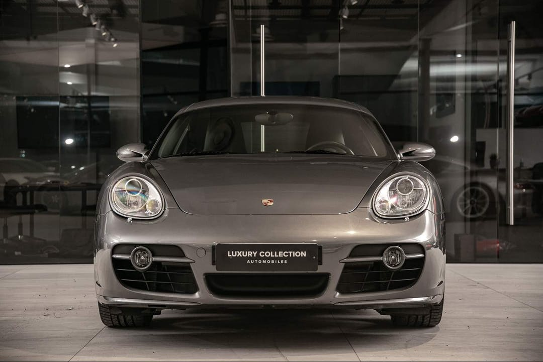 Porsche Caymann lalpa vuokraus lähellä 12400 .