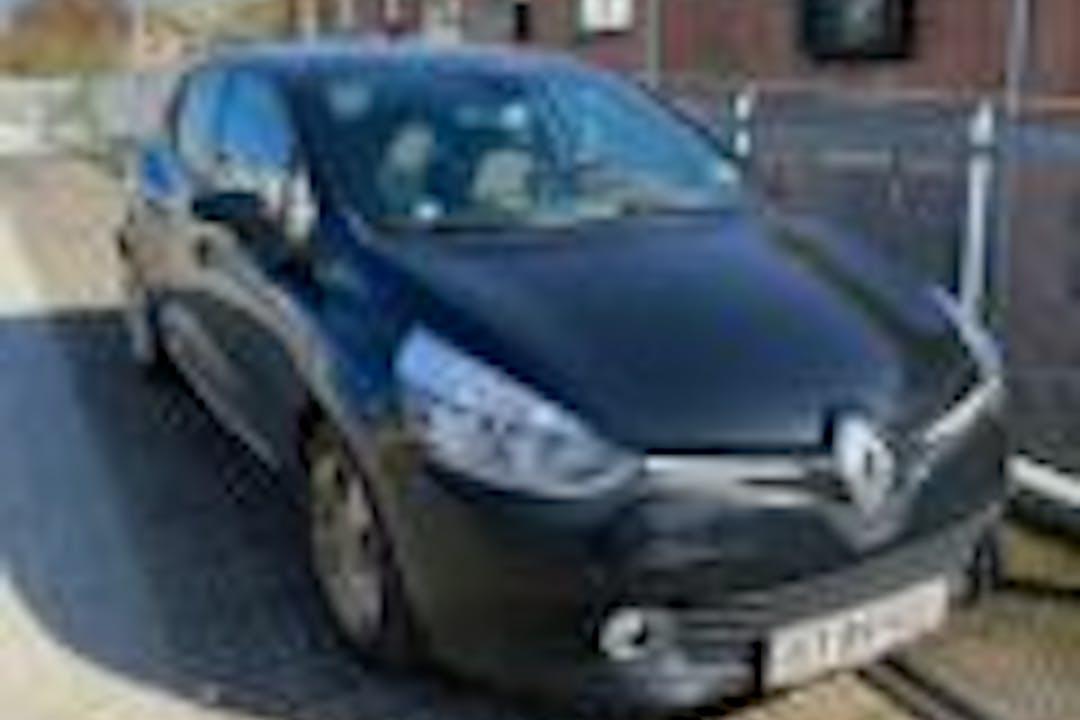 Billig billeje af Renault Clio med GPS nær 5000 Odense.