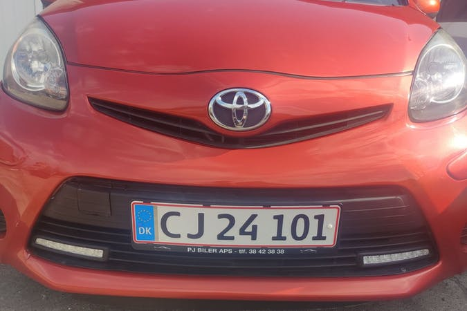 Billig billeje af Toyota AYGO nær 2720 København.