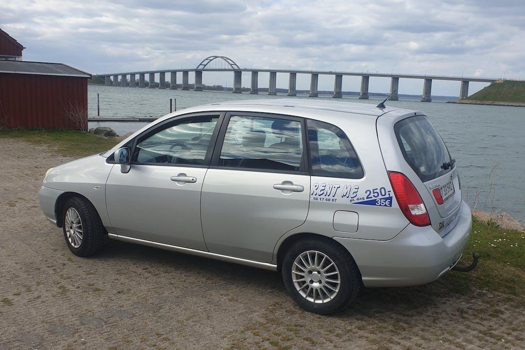 Billig billeje af Suzuki Liana nær 5900 Rudkøbing.