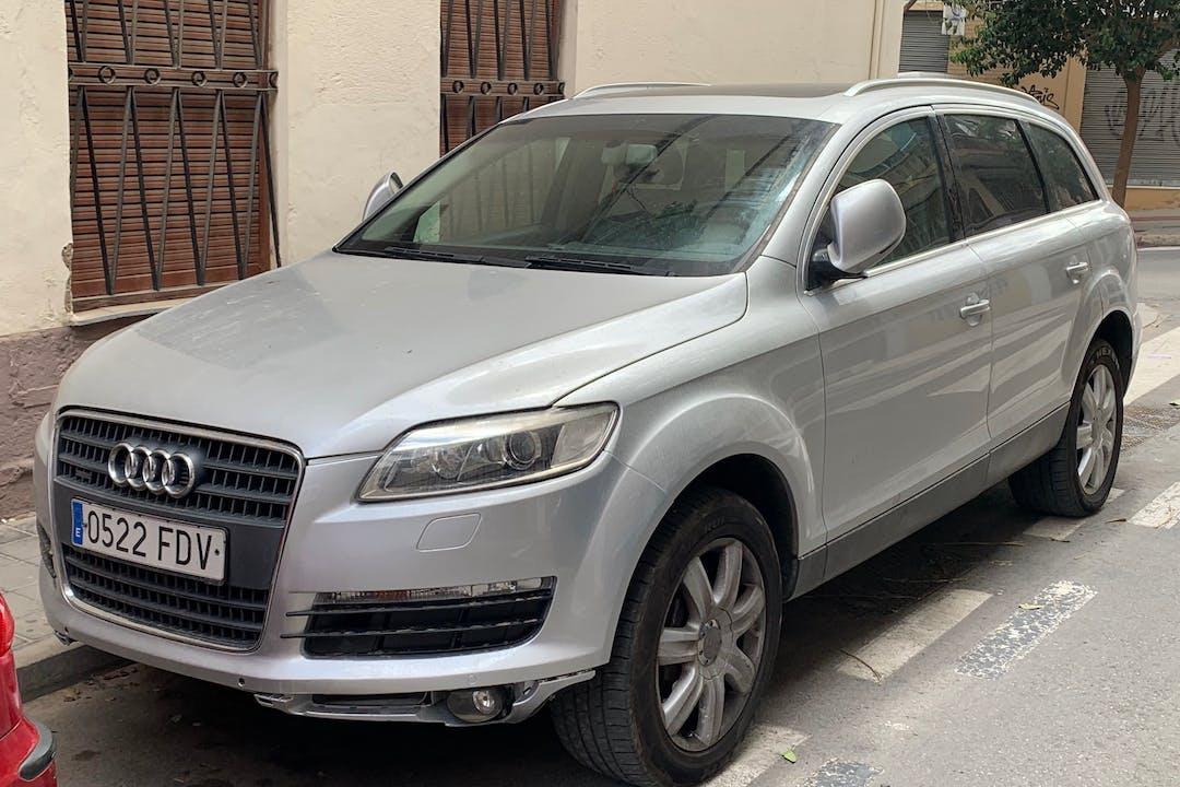 Alquiler barato de Audi Q7 con equipamiento GPS cerca de 03004 Alicante (Alacant).