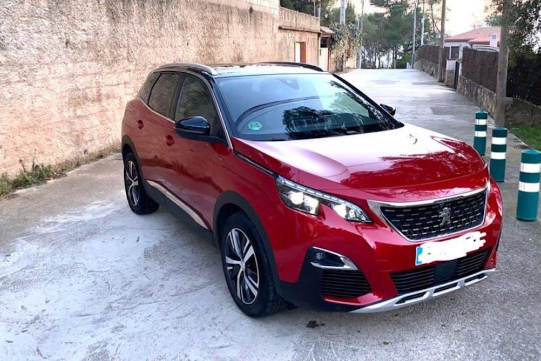 Alquiler barato de Peugeot 3008 con equipamiento GPS cerca de 08100 Mollet del Vallès.