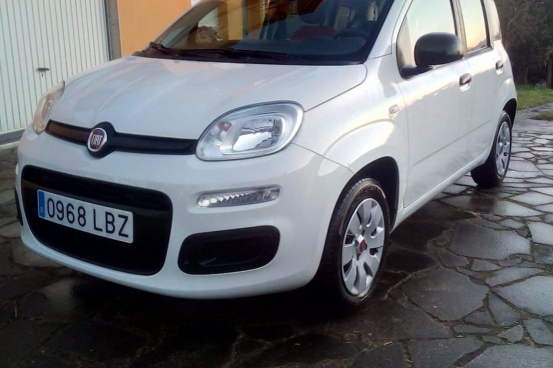 Alquiler barato de Fiat Panda cerca de 36210 Vigo.