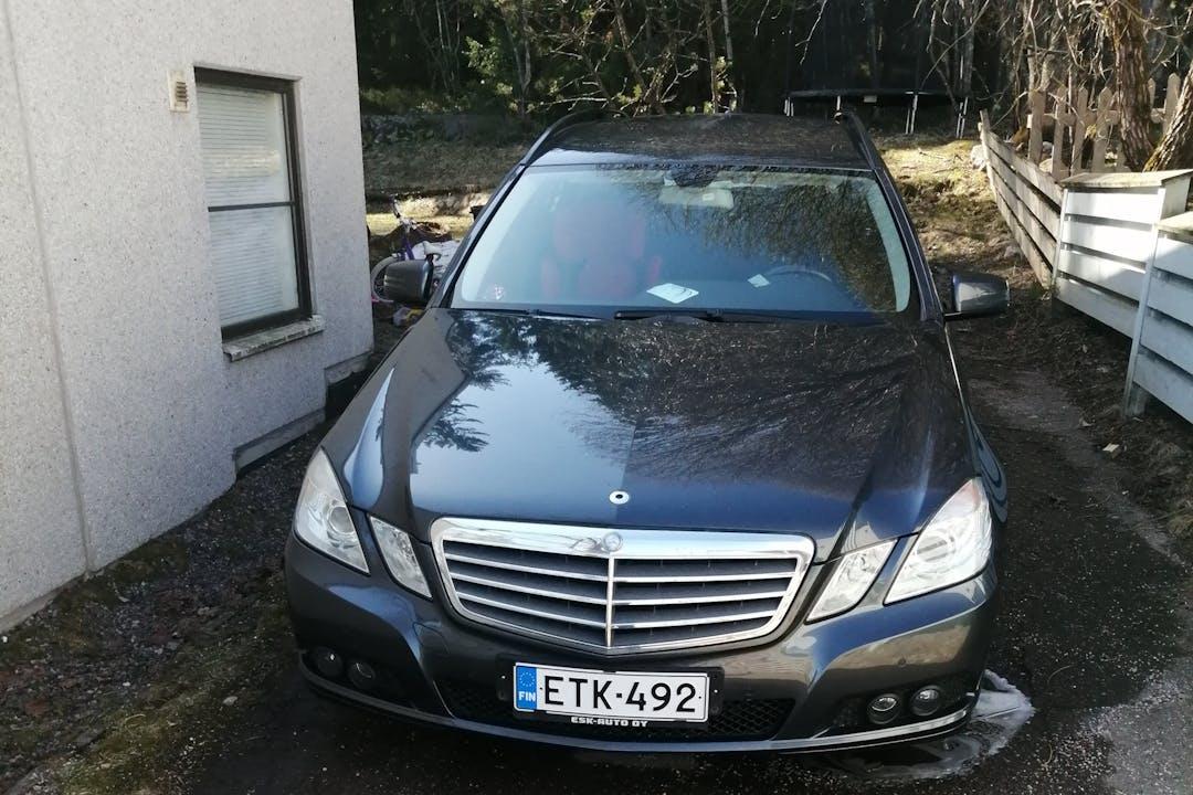 Mercedes E-Classn lalpa vuokraus lähellä 01680 Vantaa.