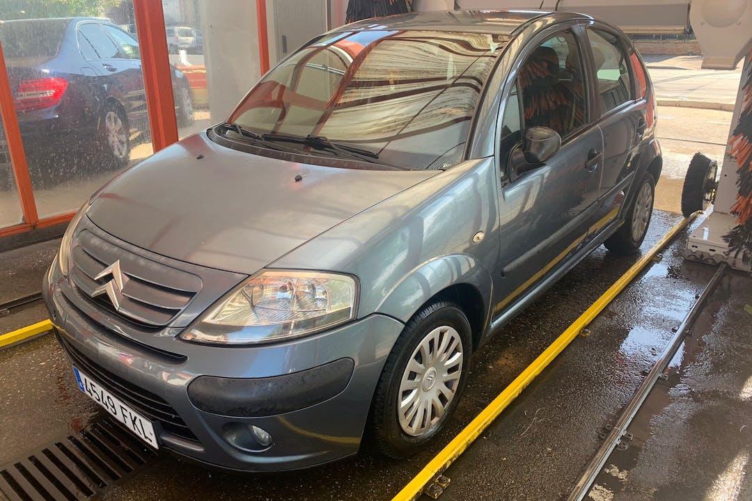 Alquiler barato de Citroën C3 con equipamiento Fijaciones Isofix cerca de 41020 Sevilla.