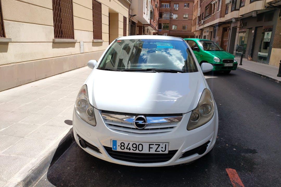 Alquiler barato de Opel Corsa con equipamiento Fijaciones Isofix cerca de 08902 L'Hospitalet de Llobregat.