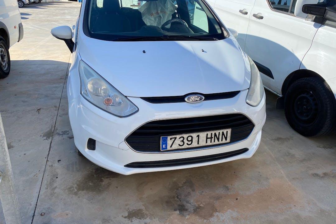 Alquiler barato de Ford B-Max cerca de 07800 Eivissa.