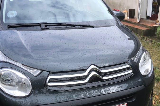 Billig billeje af Citroën C1 med GPS nær 4793 Bogø By.